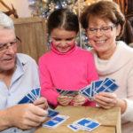 Kortspill-klassikere man også kan spille med de små
