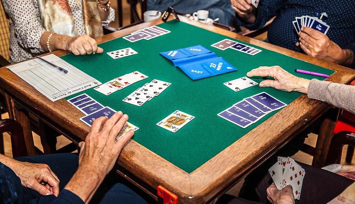 3 kortspill som hjelper den kognitive helsen